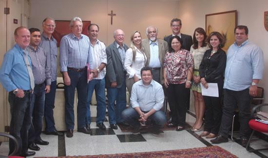 Representantes das Comissões regionais de Odontologia Hospitalar se reúnem com o presidente do CFO, Dr. Ailton Morilhas.